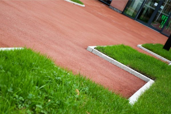 Coloured Surfacing for Paths