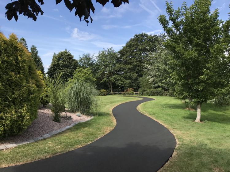 Park Footpath in NatraTex Colour Grey