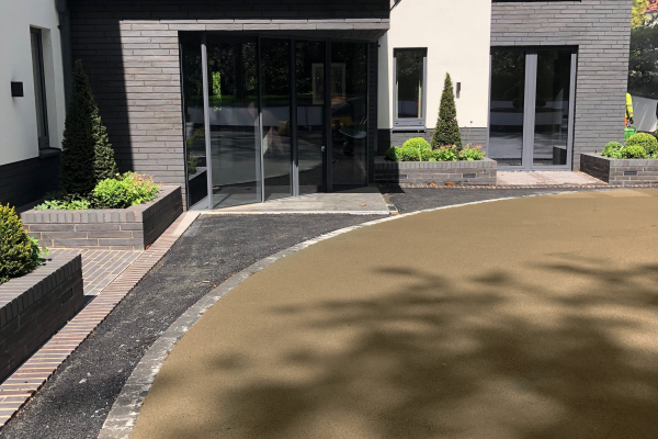 Residential Driveways in NatraTex Cotswold Buff 1